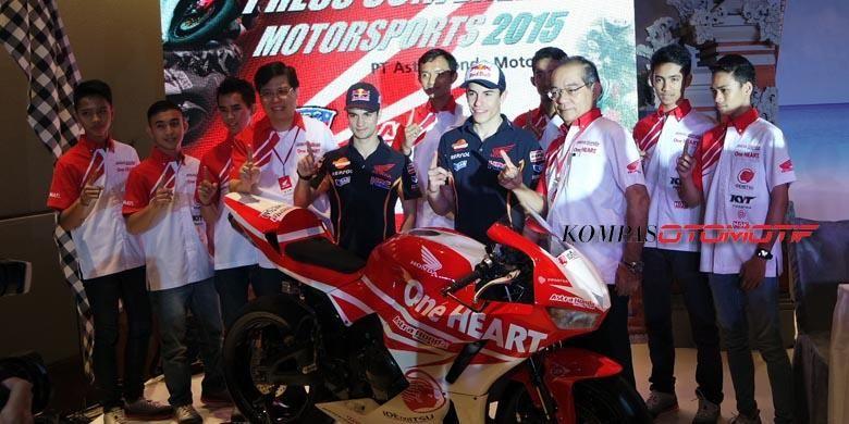 Direksi Astra Honda Motor (AHM), Marc Marquez, Dani Pedrosa, dan tujuh pebalap binaan AHM.