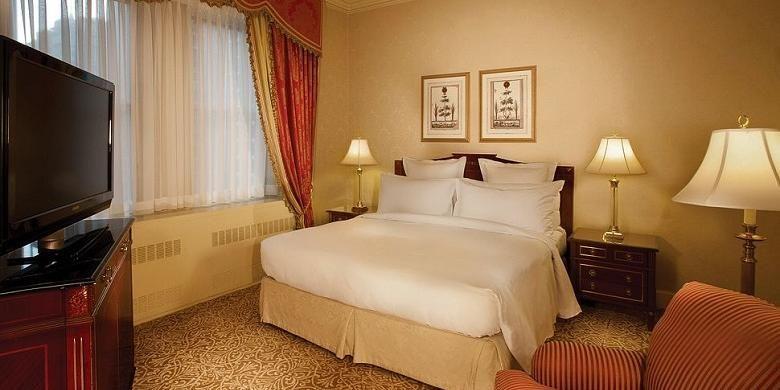 Salah satu interior ruangan di Hotel Waldorf Astoria, New York.