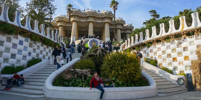 Salah satu sudut Park Guell, taman kota rancangan arsitek Antoni Gaudi di Barcelona