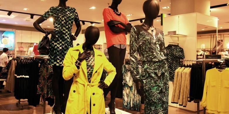Temukan koleksi terbaru Marks & Spencer pada salah satu gerainya yang berlokasi di Senayan City, Jakarta.