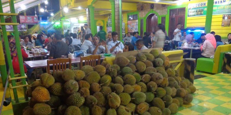 Ilustrasi kedai ucok durian Medan