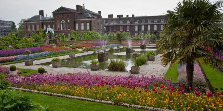 Taman di Istana Kensington, London, Inggris