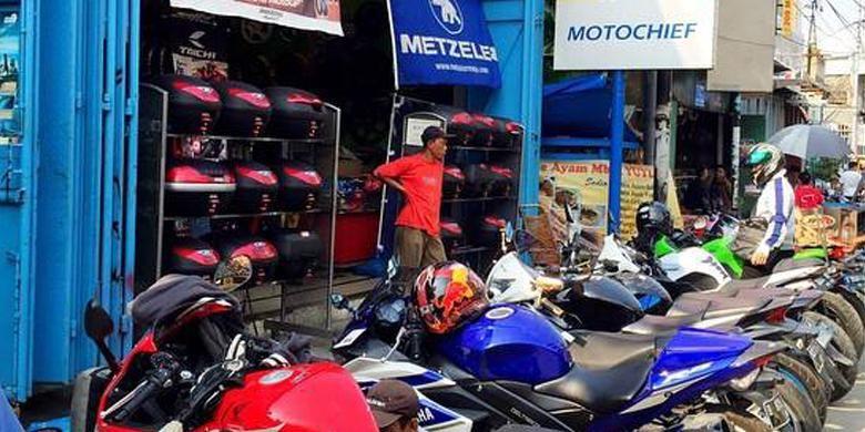 Toko aksesori Motochie yang berlokasi di sentra penjualan aksesori Jalan Kebon Jeruk III.