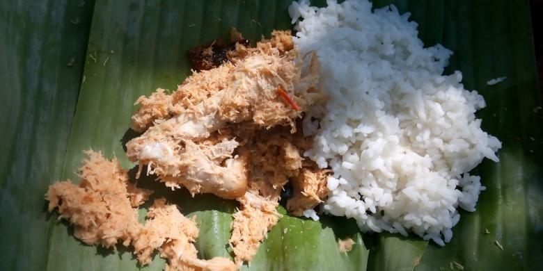Pecel pitik salah satu makanan khas Kabupaten Banuuwangi yang hanya munc saat selamatan desa