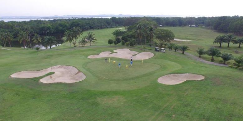 Tering Bay Golf & Country Club di Batam, Provinsi Kepulauan Riau.