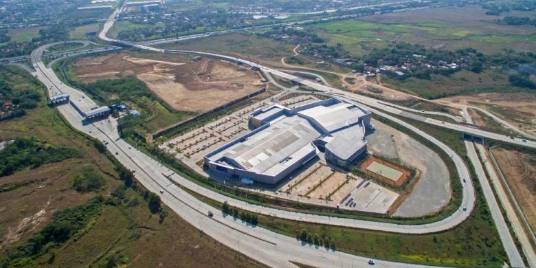Lippo tetap menyiapkan proyek Orange County seluas 322 hektar. Proyek ini dipersiapkan sebagai proyek berkesinambungan di Koridor Timur Jakarta untuk menyatukan ribuan usaha di area segitiga emas kawasan industri Cikarang, yaitu Lippo Cikarang, Jababeka, dan Delta Mas.
