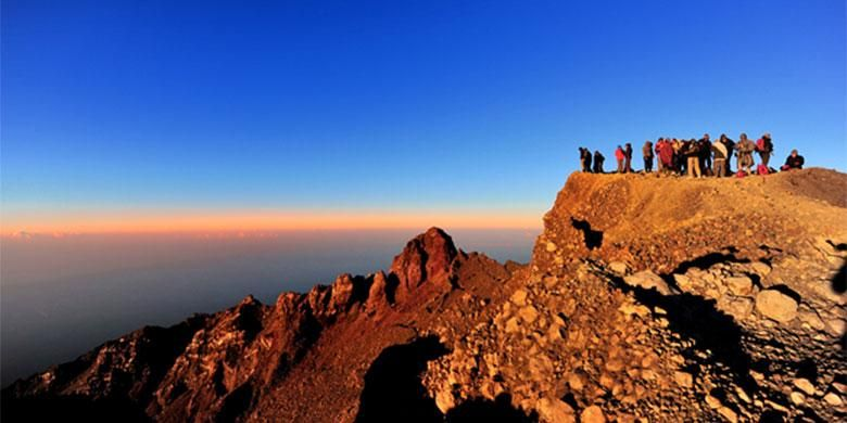 Keindahan Gunung Rinjani wajib dikunjungi (Sumber: Shutterstock)