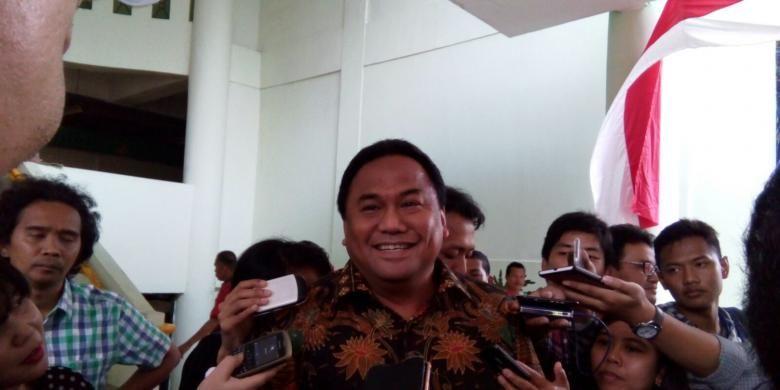 Bos Panasonic Gobel Indonesia, yang juga eks Menteri Perdagangan Rachmat Gobel meninjau Pasar Kramat Jati bersama Menteri Perdagangan Thomas Lembong, Selasa (18/8/2015).