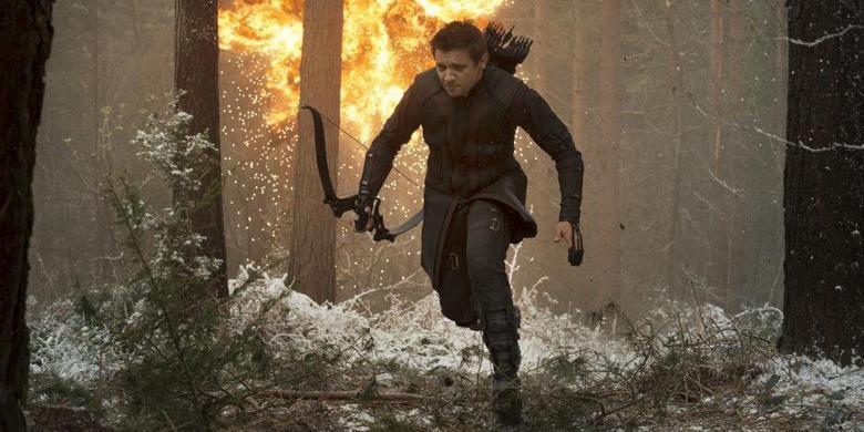 Jeremy Renner memerankan Hawkeye dalam Avengers: Age of Ultron