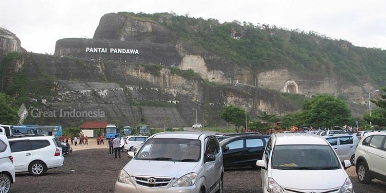Pantai Pandawa di Desa Kutuh, Kecamatan Kuta Selatan, Kabupaten Badung, Bali.