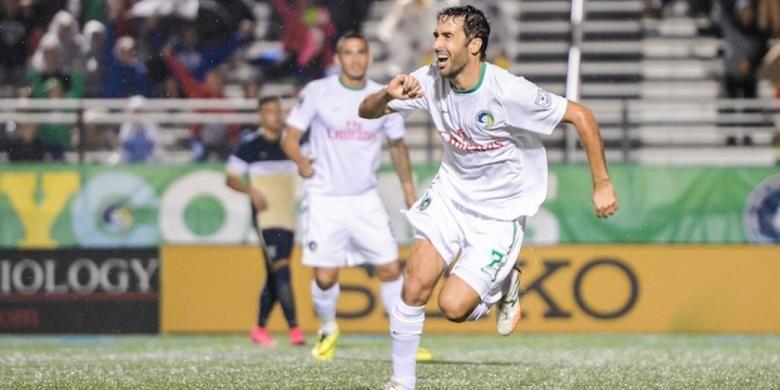 Striker New York Cosmos, Raul Gonzalez.