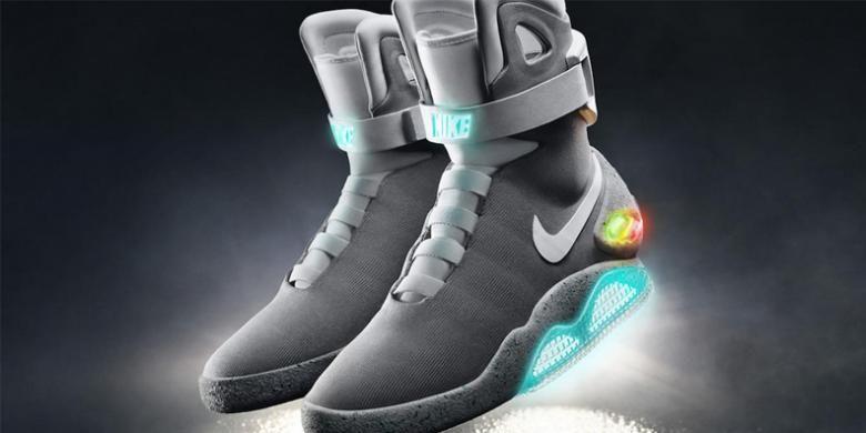 Sepatu Nike Mag berdasarkan film Back to the Future