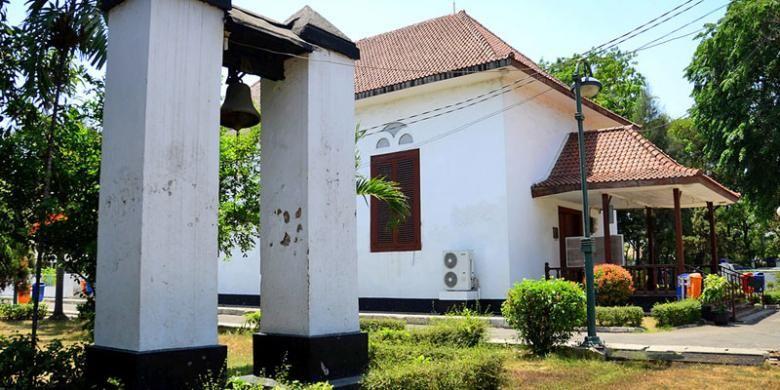 Gereja Tugu (GPIB Tugu) di Kampung Tugu, Kecamatan Koja, Jakarta Utara, Sabtu (17/10/2015). Gereja Tugu dan lonceng (slavenbel) yang dibuat pada abad ke-17 merupakan peninggalan Portugis yang masih tersisa di Kampung Tugu.