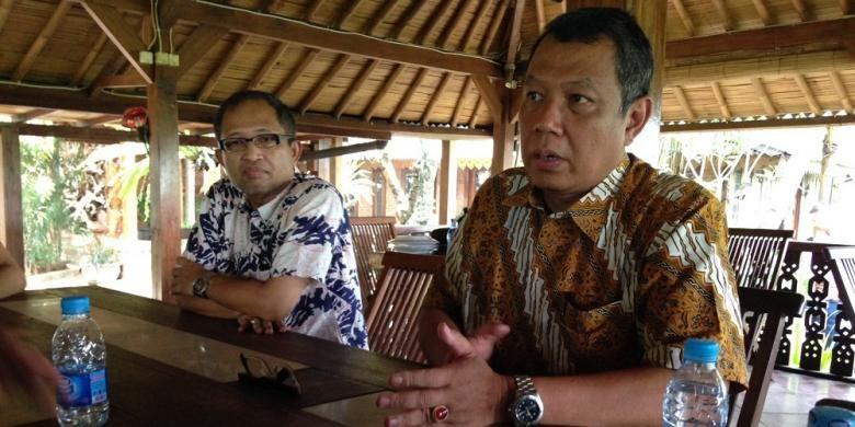 Wakil Wali Kota Tangerang Selatan Benyamin Davnie (kanan).