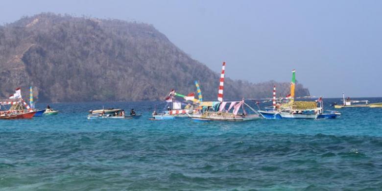 Pantai Pal, Marinsow, Likupang Timur, Kabupaten Minahasa Utara, Sulawesi Utara. Pantai ini menjadi tempat penyelenggaraan Festival Bunaken 2015 yang digelar 24-27 Oktober 2015.