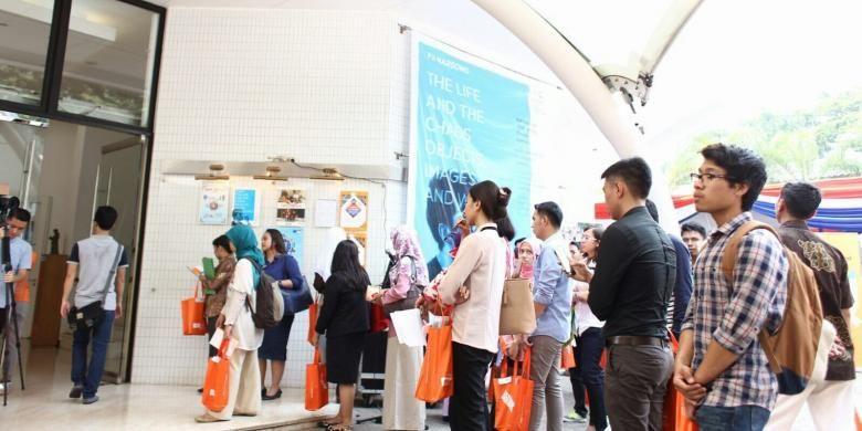 Kurang lebih 1.000 calon mahasiswa, Kamis (29/10/2015), memadati Erasmus Huis untuk mengikuti DPD Jakarta. Jumlah kunjungan tersebut melebihi DPD 2014 lalu yang mencapai sekitar 700 pengunjung.