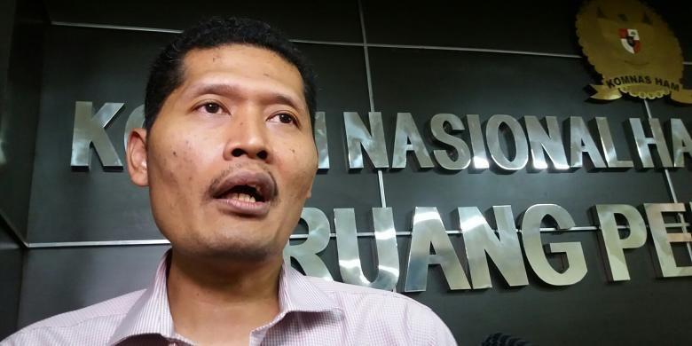 Komisioner Komisi Nasional Hak Asasi Manusia, Muhammad Nurkhoiron di Kantor Komnas HAM JlRabu (4/11/2015)