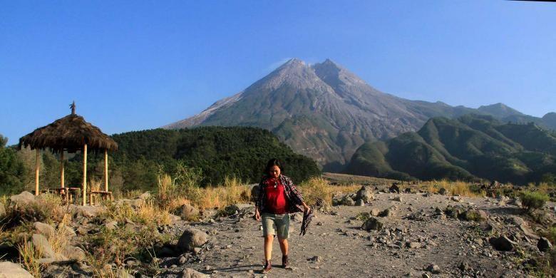 Area bekas terdampak erupsi Gunung Merapi, Yogyakarta sangat cocok untuk wisata petualangan.