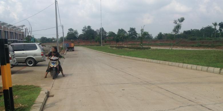 Pembangunan Citra Maja Raya, Maja, Lebak, Banten. Gambar diambil pada (7/12/2015).