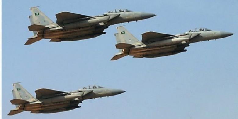 Koalisi militer pimpinan Arab Saudi menggempur sejumlah target di Yaman guna memerangi pemberontak Houthi.