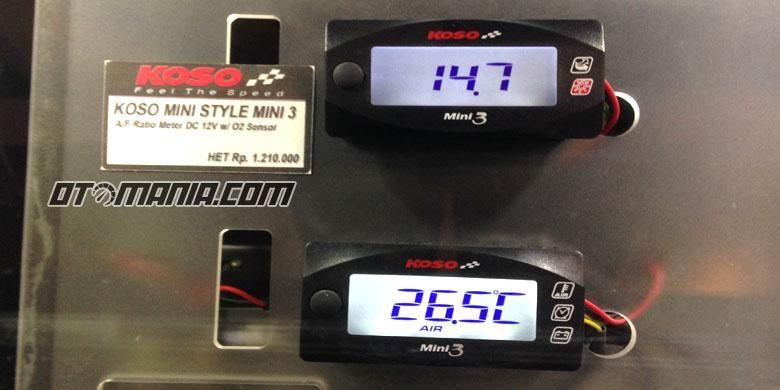 Alat pengukur air fuel ratio (AFR) dalam ruang bakar sepeda motor injeksi.