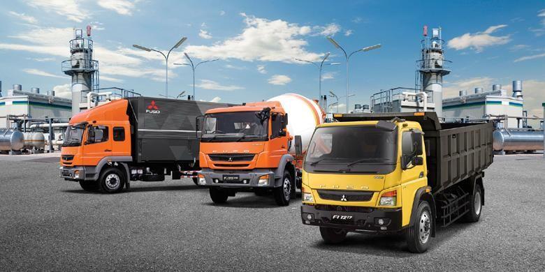 Jajaran truk New Fuso yang sukses pada 2015.