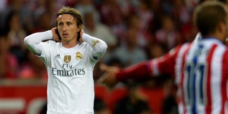 Ekspresi gelandang Real Madrid, Luka Modric saat melawan Sporting Gijon pada lanjutan La Liga di Stadion el Molinon, 23 Agustus 2015.