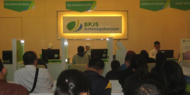 Suasana di kantor BPJS Ketenagakerjaan di Jalan Jenderal Sudirman, Jakarta. Foto diambil pada Selasa (1/3/2016).