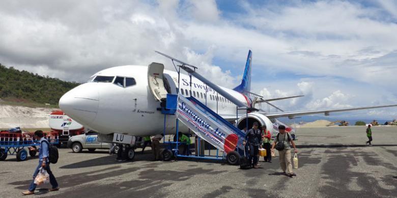 Pesawat Sriwijaya Air di Bandara Syukuran Aminuddin Amir, Luwuk, Kabupaten Banggai, Sulawesi Tengah.