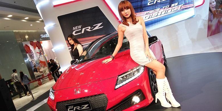 New Honda CR-Z diperkenalkan di Jakarta, Selasa (8/3/32016).