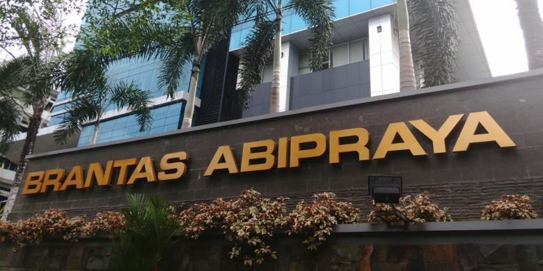 PT Brantas Abipraya di Jalan DI Pandjaitan, Jakarta Timur