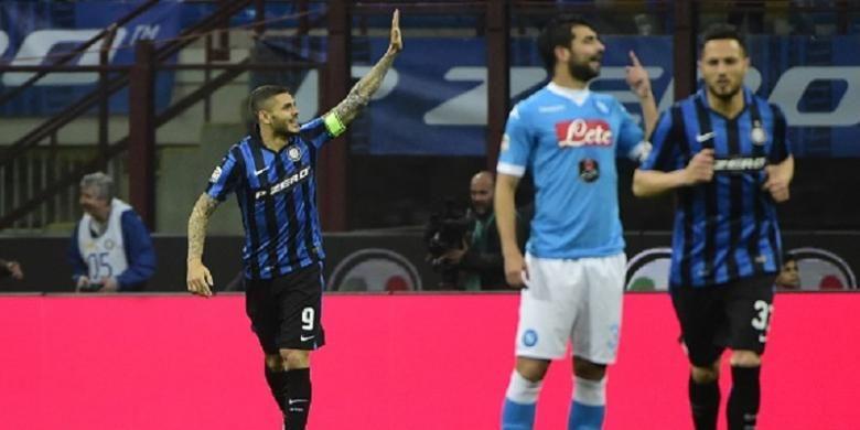 Mauro Icardi merayakan gol Inter Milan ke gawang Napoli pada lanjutan Serie A di Stadion Giuseppe Meazza, Sabtu (16/4/2016).