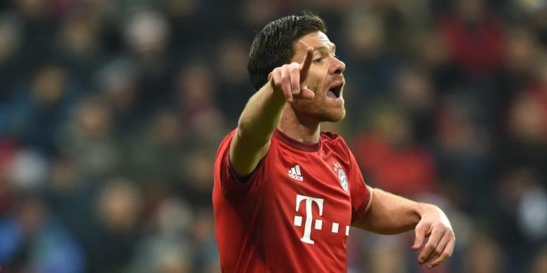 Ekspresi gelandang Bayern Muenchen, Xabi Alonso, saat melawan Juventus pada perempat final kedua Liga Champions di Stadion Allianz Arena, 16 Maret 2016.