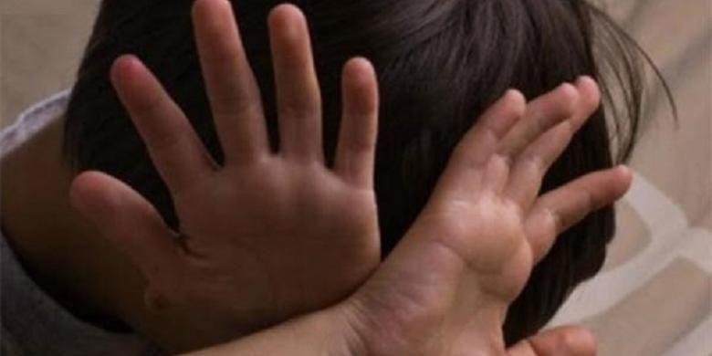 Anak laki-laki korban perkosaan (Ilustrasi).