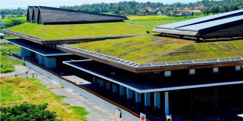 Bandara Blimbingsari Banyuwangi yang mengusung konsep green arsitecture dan didesain oleh arsitektur kenamaan Adri Matin (Istimewa / humas pemkab Banyuwangi)