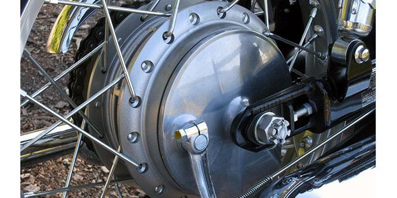 Ilustrasi rem tromol pada sepeda motor