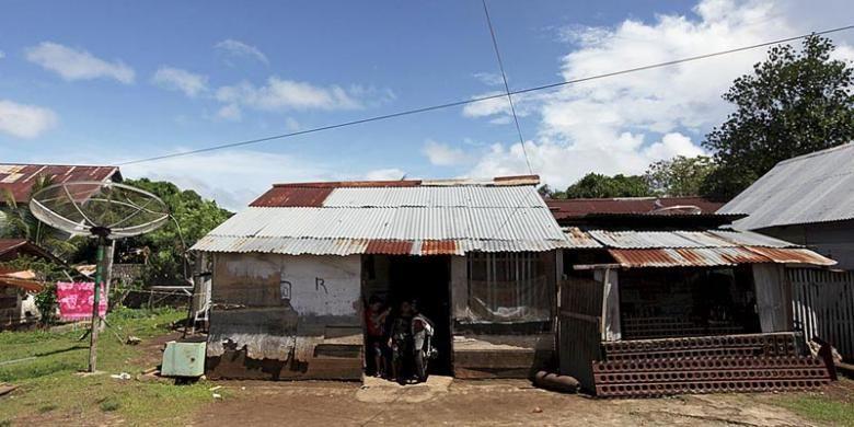 Rumah gubuk dan gubuk museum Muhlis Eso di Morotai, Maluku Utara.
