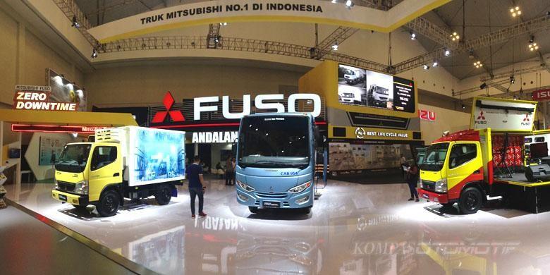 Booth Mitsubishi Fuso di GIIAS 2016,