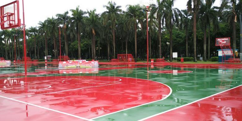 Lapangan olahraga outdoor di Kawasan Monas, Jakarta Pusat. Foto diambil Selasa (30/8/2016).