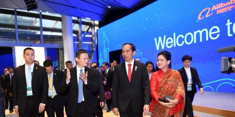 Presiden Jokowi bersama CEO Alibaba, Jack Ma di kantor Alibaba di China, Jumat (2/9/2016).
