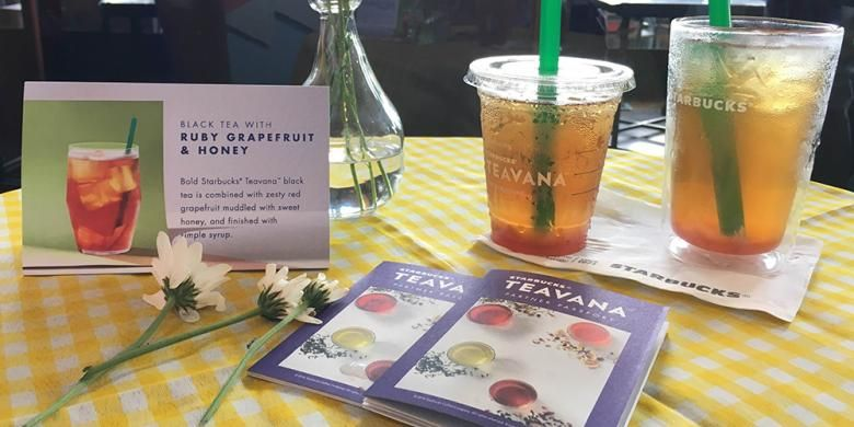 Starbucks Teavana Handcrafted Beverages terdiri dari tiga jenis minuman yakni Black Tea with Ruby Grapefruit and Honey, Iced Shaken Green Tea with Aloe and Pickly Pear, dan Iced Shaken Hibiscus Tea with Pomegranate Pearls.