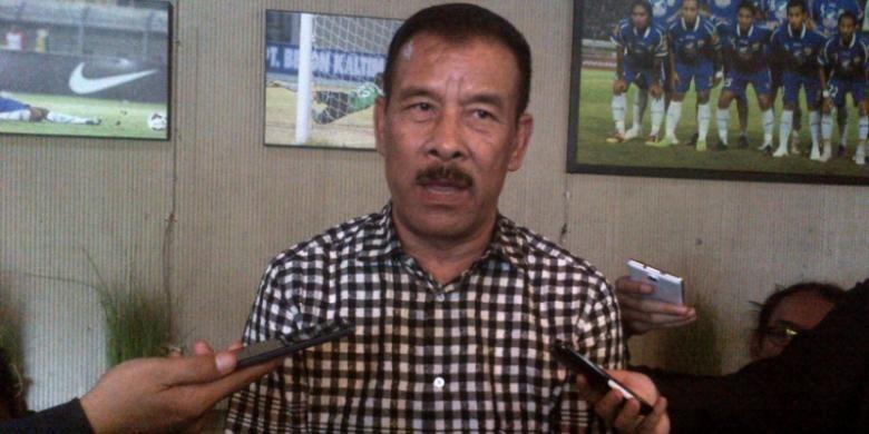 Manager Persib Bandung Umuh Muchtar saat ditemui wartawan di Graha Persib, Jalan Sulanjana, Kamis (15/9/2016).