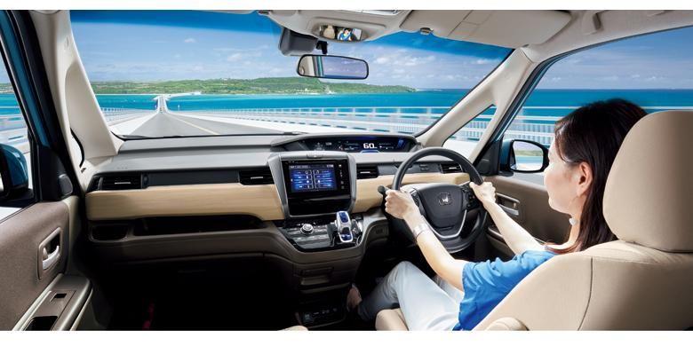 Generasi kedua Honda Freed, desian makin dinamis.