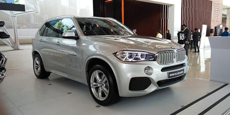 BMW X5 eDrive 40e di ajang pameran otomotif nasional Agustus 2016