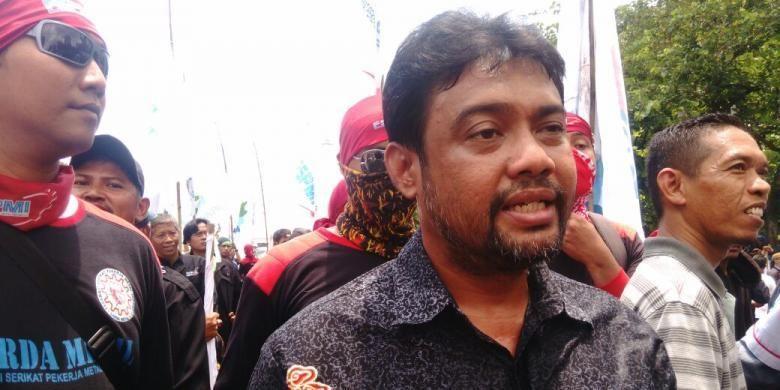 Presiden Konfederasi Serikat Pekerja Indonesia (KSPI) Said Iqbal saat demo buruh di sekitar Patung Kuda, Jalan Medan Merdeka Selatan, Jakarta Pusat, Kamis (29/9/2016).
