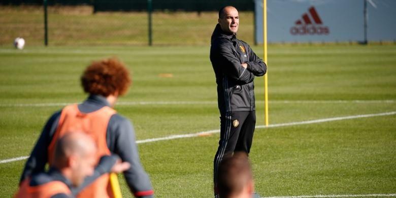 Pelatih tim nasional Belgia, Roberto Martinez,  memimpin sesi latihan di Tubize pada Rabu (5/10/2016). Latihan ini merupakan bagian dari persiapan tim jelang melakoni kualifikasi Piala Dunia 2018 melawan Bosnia pada 7 Oktober dan Gibraltar pada 10 Oktober.