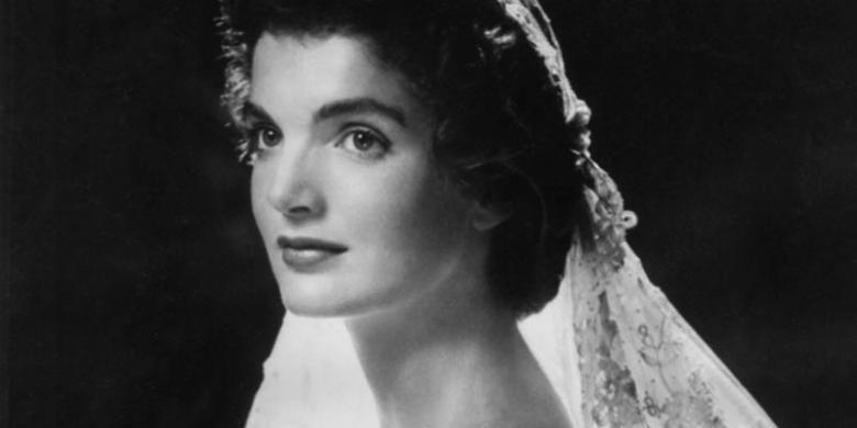Jacqueline Kennedy saat hari pernikahan.