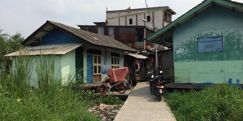 Kampung Apung, Kapuk, Jakarta Barat, Kamis (27/10/2016).