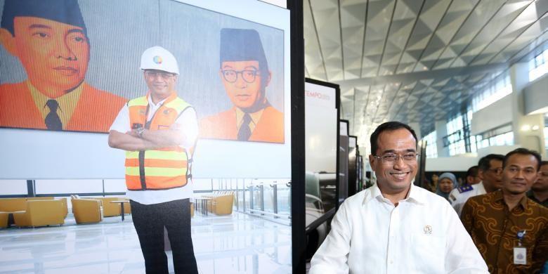 Menteri Perhubungan, Budi Karya Sumadi meninjau Terminal 3 Ultimate Bandara Soekarno-Hatta, Tangerang, Banten, Selasa (9/8/2016).Terminal 3 Ultimate Bandara Soekarno-Hatta resmi beroperasi sepenuhnya hari ini.