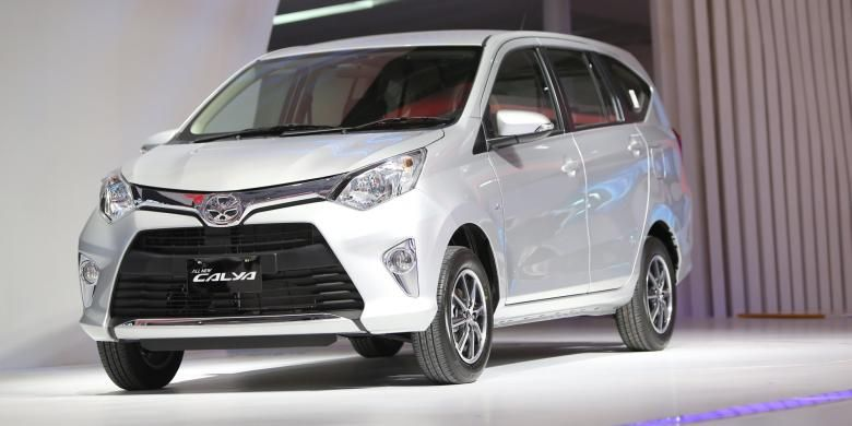 Toyota Calya dipamerkan saat acara GAIKINDO Indonesia International Auto Show (GIIAS) 2016,di Indonesia Convention Exibition (ICE) BSD City Tangerang, Kamis (11/8/2016). Pameran otomotif international ini berlangsung pada tanggal 11 Agustus 2016 hingga 21 Agustus 2016.